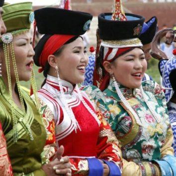 Mongolei-Erlebnisreise-Einheimische-Naadam-Fest