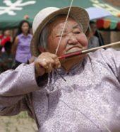Mongolei-Erlebnisreise-Bogenschützin