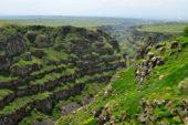 Armenien-Wanderreise-Canyon-am-Aragats