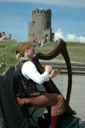 irland-wanderreise-harfe