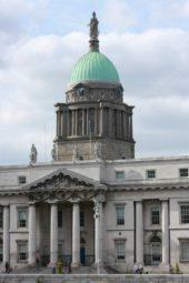irland-wanderreise-dublin-kirche