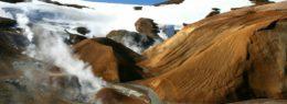 Island-Reisen: Wanderung am Gletscher
