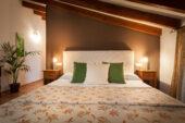 mallorca-wanderreise-hotelzimmer-deko