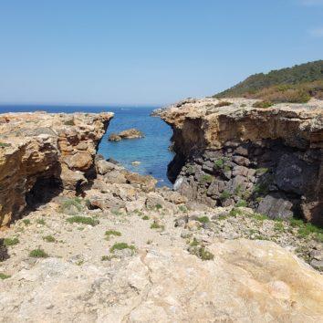 Balearen-Wanderreise-Ibiza-Formentera-Steilküste