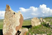 Armenien-Wanderreise-Steinkreise-Zorats-Karreer