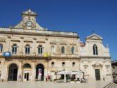 italien-apulien-wanderreise-ostuni-marktplatz