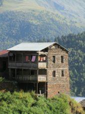 Georgien-Wanderreise-Tuschetien-Dorf-Dochu