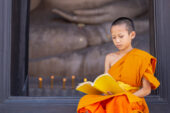 Burma-Myanmar-Erlebnisreise-Bagan-Mönch