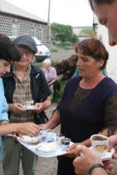Georgien-Wanderreise-Swanetien-Kleiner-Kaukasus-Stehkaffee