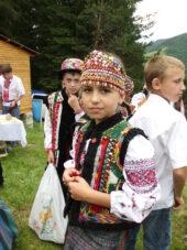Ukraine-Wanderreise-Kind-Tracht