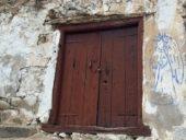 Armenien-Wanderreise-Meghri-Kirche-Tür
