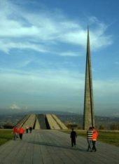 Armenien-Eriwan-Genozid-Denkmal-Mietwagenreise