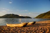 Erlebnisreise-Malawi-Malawisee-Boote