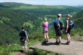 irland-wanderreise-landschaft-natur-wandergruppe