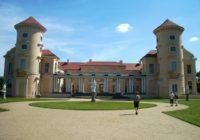 Sonniger Tag im Schlosspark in Mecklenburg