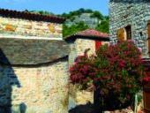 Frankreich-Wanderreise-Naves-Häuser