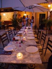 mallorca-wanderreise-tafel-dinner