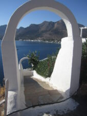 griechenland-wanderreise-livadia-torbogen