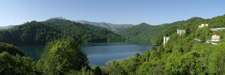 """Göygöl-der-""""Blaue See""""-in-Aserbaidschan-im-Kleinen-Kaukasus-Wanderreise"""