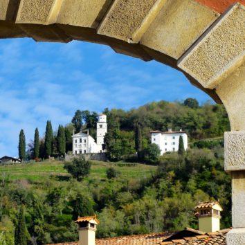 italien-wanderreise-torbogen